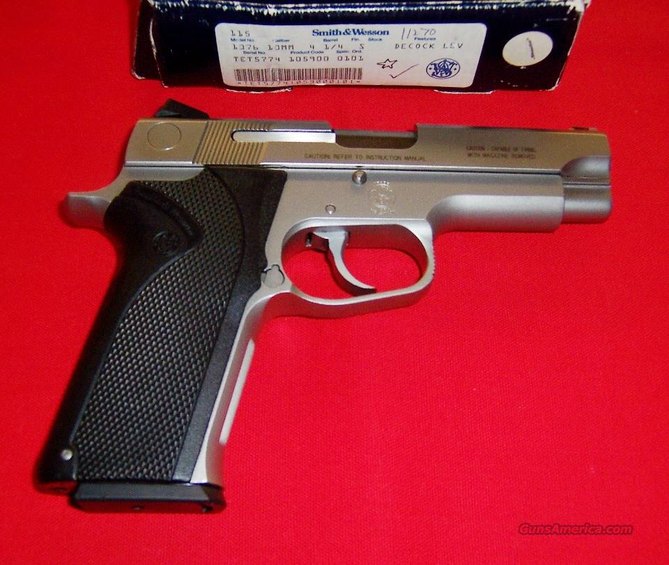 S&W Model 1076  Guns > Pistols > Smith & Wesson Pistols - Autos > Steel Frame