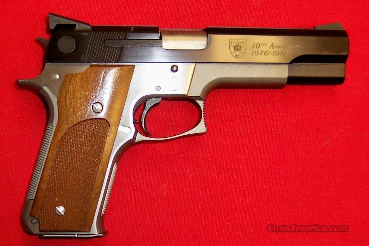 S&W Model 745 I.P.S.C. 10th Anniversary  Guns > Pistols > Smith & Wesson Pistols - Autos > Steel Frame