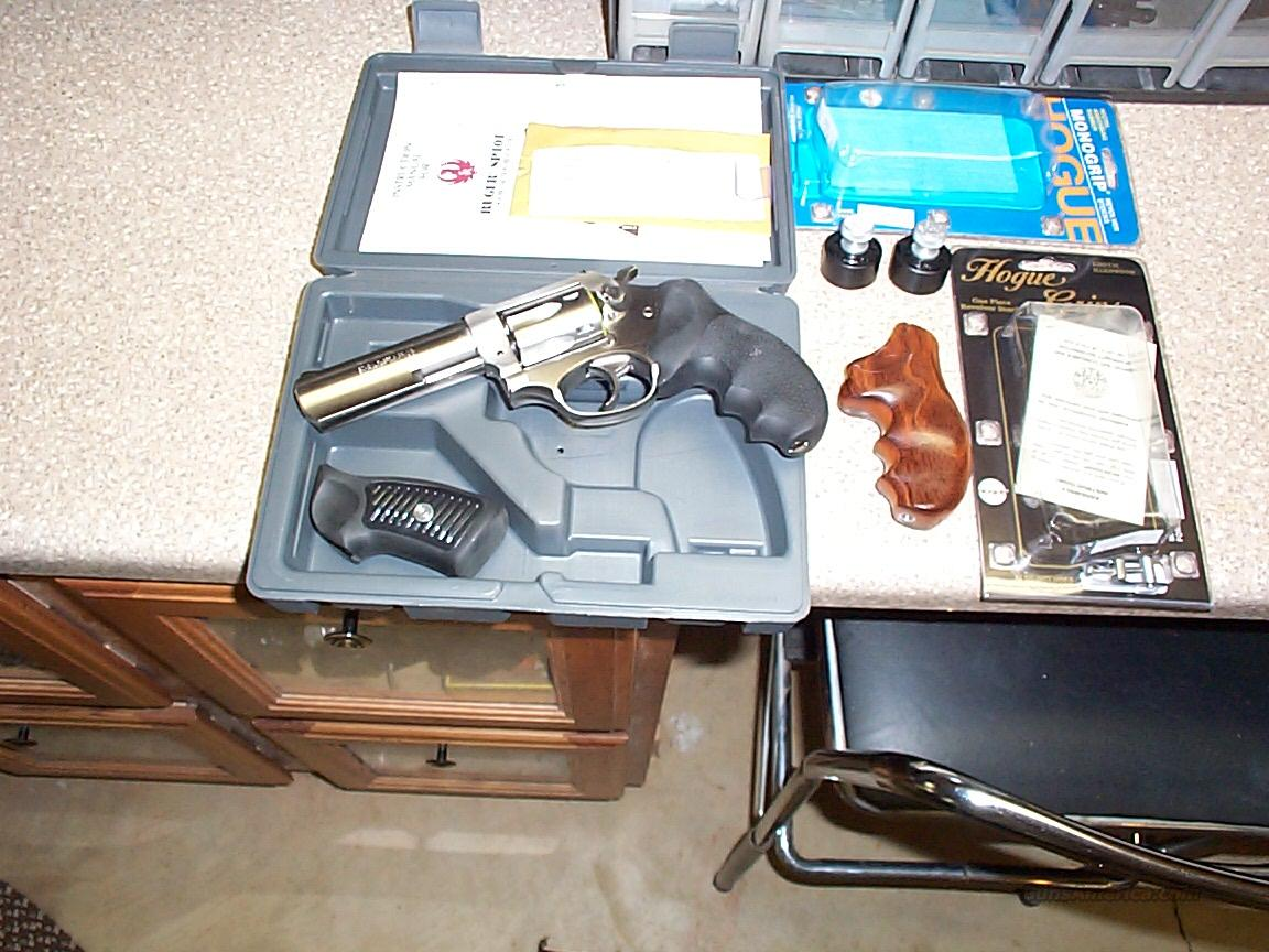 Ruger SP 101 32 Mag, extras  Guns > Pistols > Ruger Double Action Revolver > SP101 Type
