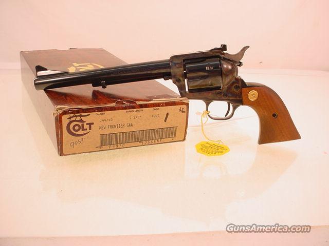 colt NEW FRONTIER SAA 44-40  Guns > Pistols > Colt Single Action Revolvers - 3rd Gen.