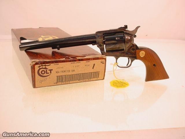 colt NEW FRONTIER SAA 44-40  Guns > Pistols > Colt Single Action Revolvers - 3rd Gen.