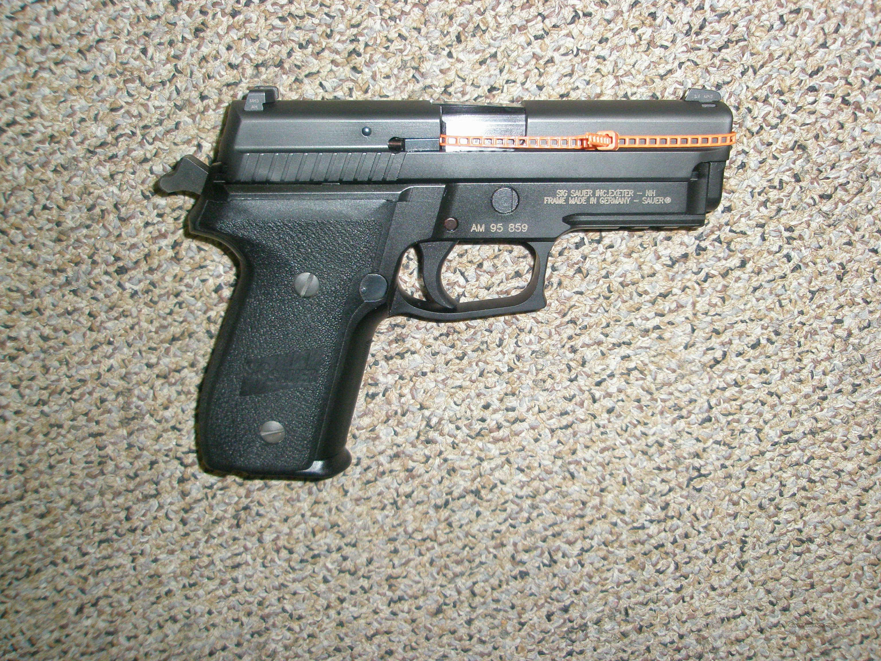 Sig Sauer P226 with night sights/box/2 mags  Guns > Pistols > Sig - Sauer/Sigarms Pistols > P226