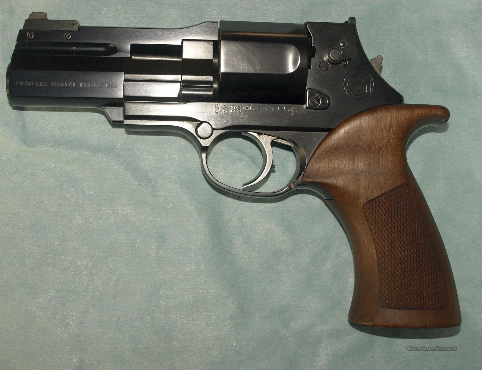 Mateba MTR-8 .38 Special revolver [5393x2674] : GunPorn