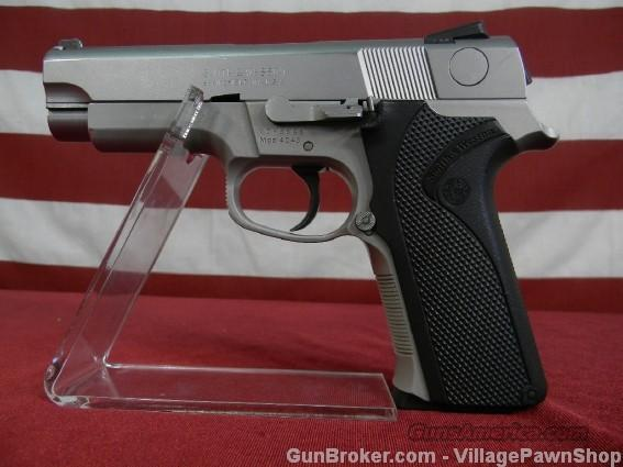 "S&W 4043 40 S&W 4"" 11 shot 9946  Guns > Pistols > Smith & Wesson Pistols - Autos > Alloy Frame"