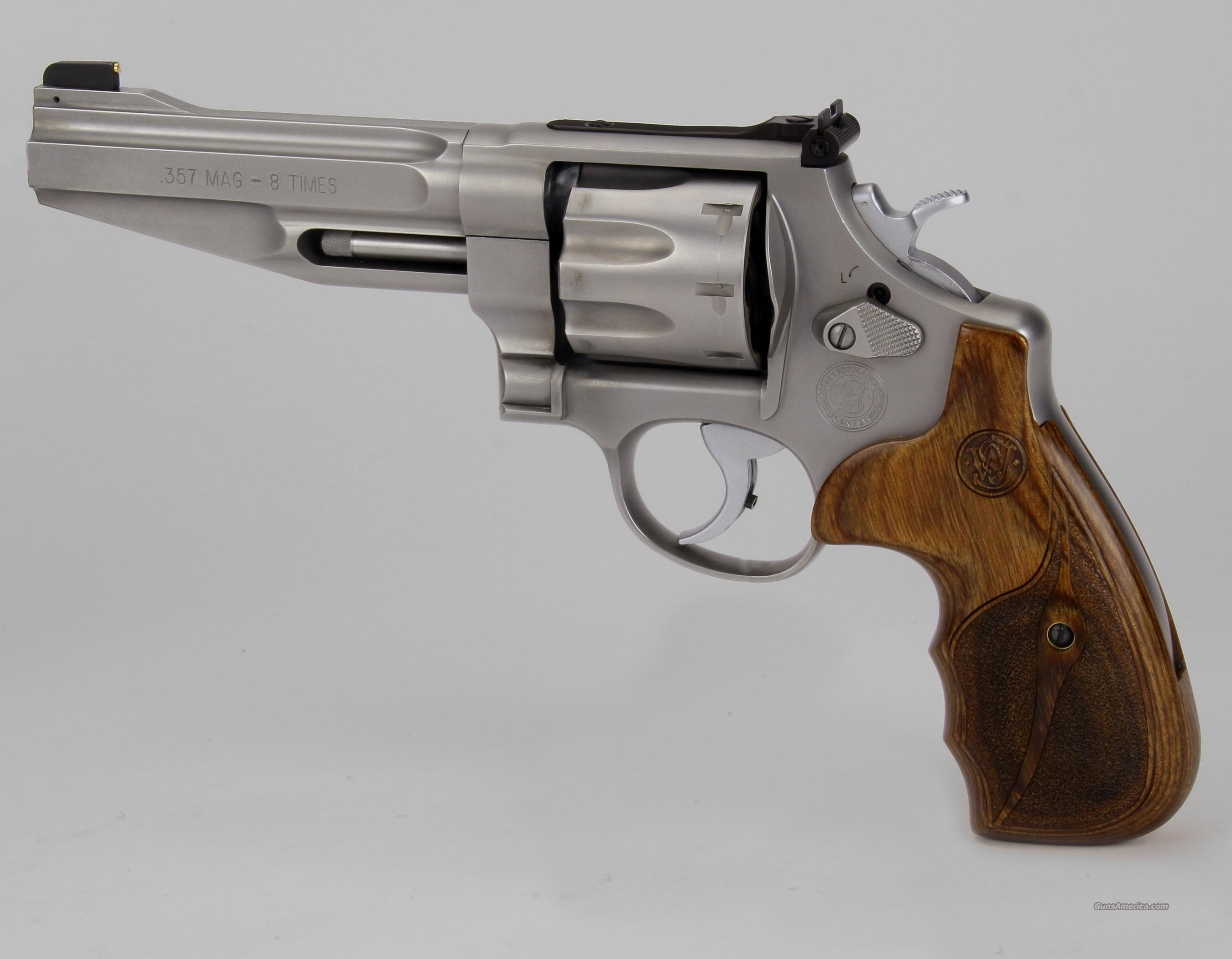 Smith & Wesson 627, 8 Shot 357 Revolver  Guns > Pistols > Smith & Wesson Revolvers > Performance Center