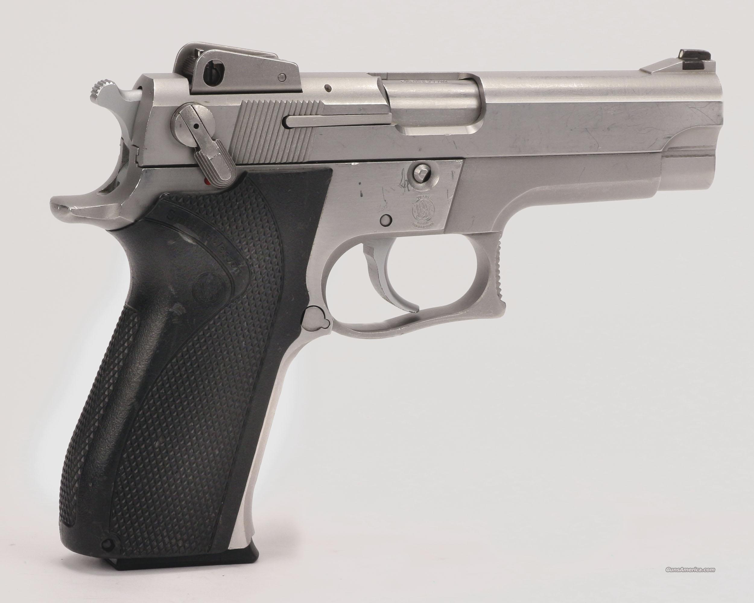 Smith &Wesson Model 5906 9mm  Guns > Pistols > Smith & Wesson Pistols - Autos > Steel Frame