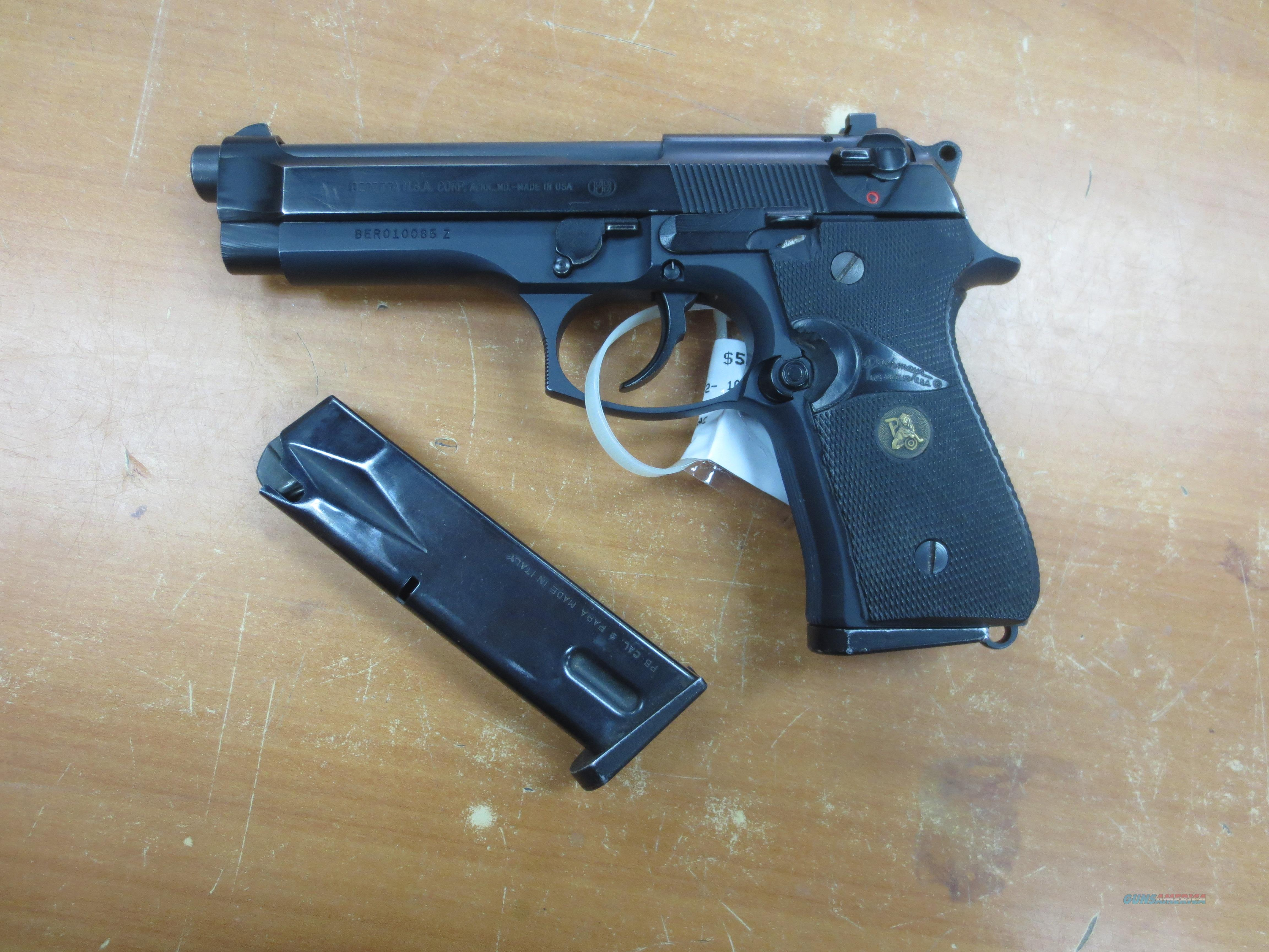 Beretta model 92F 9mm Parabellum with 2 magazines   Guns > Pistols > Beretta Pistols > Model 92 Series