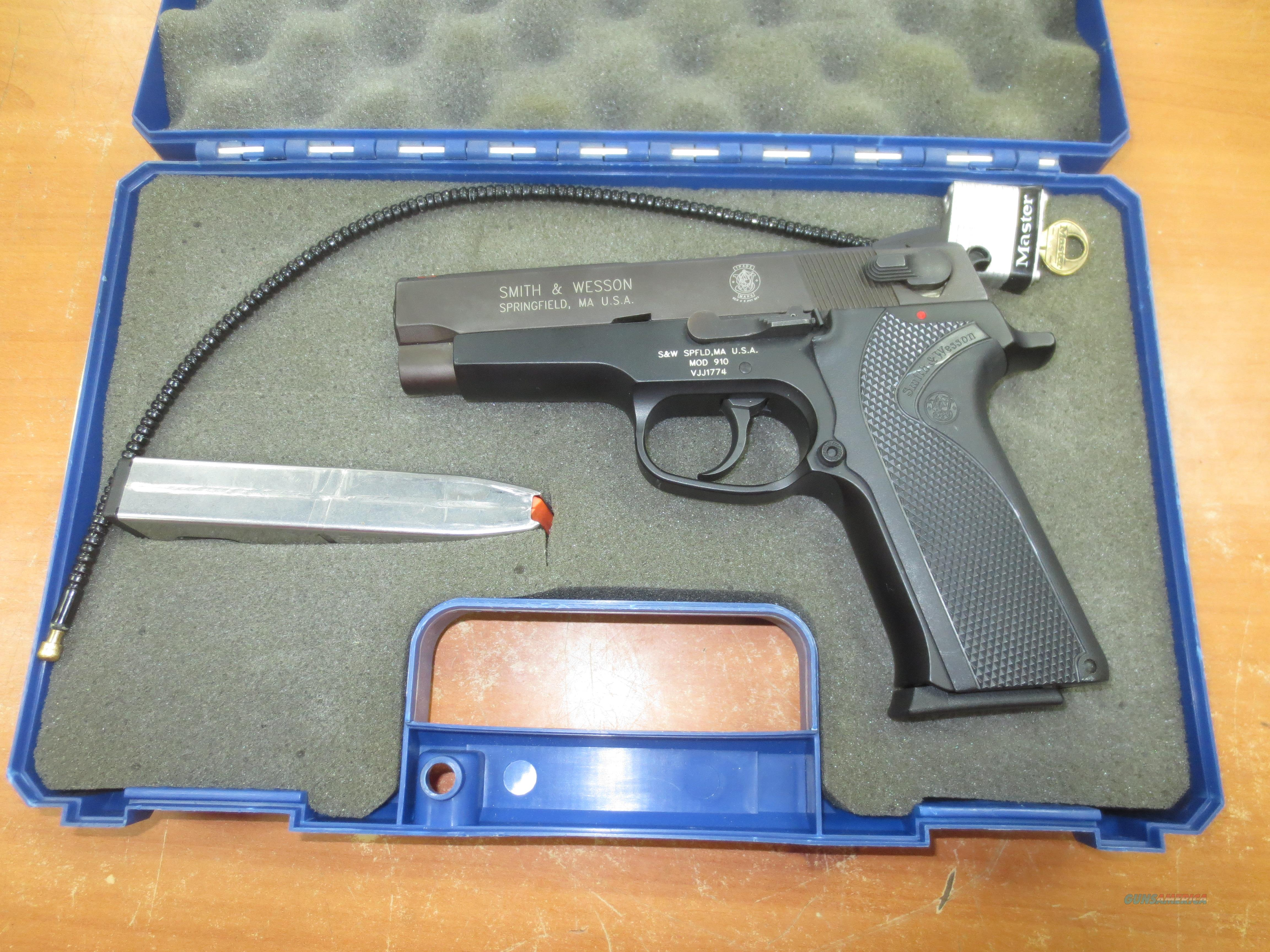 Smith and Wesson mod # 910 with orig box 9mm  Guns > Pistols > Smith & Wesson Pistols - Autos > Alloy Frame