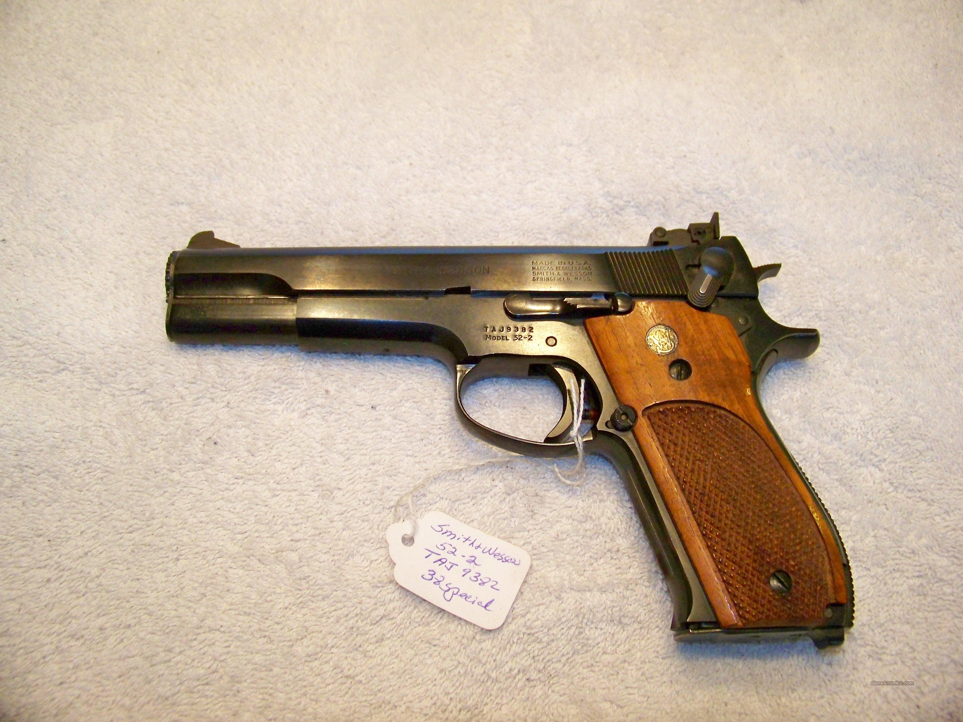 SMITH & WESSON MODEL 52-2  Guns > Pistols > Smith & Wesson Pistols - Autos > Steel Frame