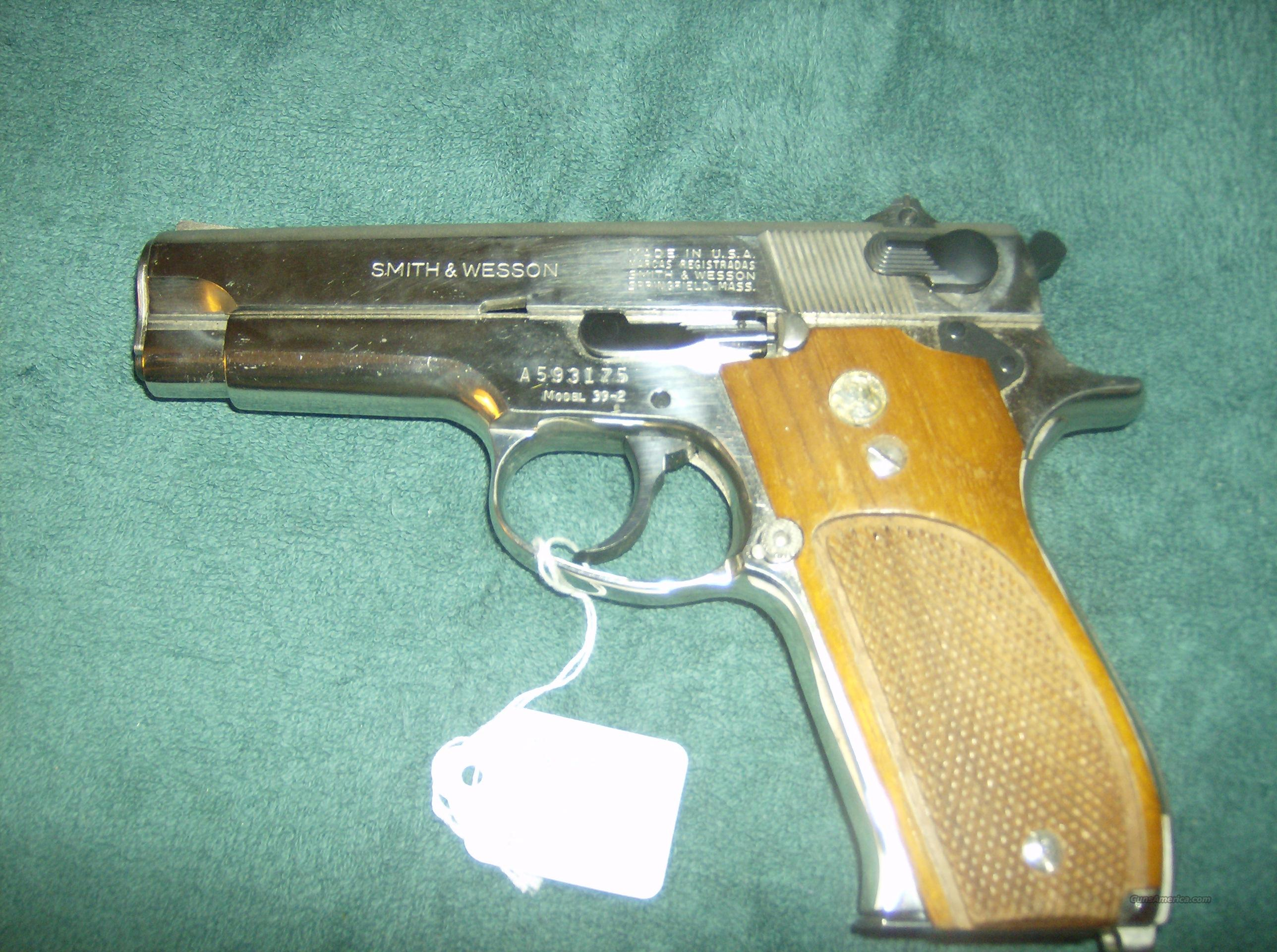 SMITH & WESSON MODEL 39-2NICKEL 9MM  Guns > Pistols > Smith & Wesson Pistols - Autos > Alloy Frame