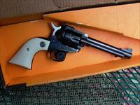 RUGER.32 H&R MAGNUM NEW MODEL SINGLE SIX  Guns > Pistols > Ruger Single Action Revolvers > Single Six Type