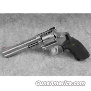 Smith and Wesson 686 .357 Magnum Revolver Stainless with Adjustable Sights - Used in Very Good Condition!  Guns