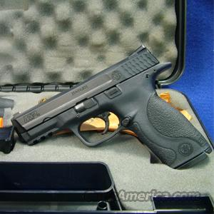 Smith & Wesson M&P 40 .40 S&W Pistol - LIKE NEW IN BOX!  Guns