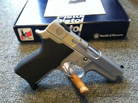 Smith & Wesson Model 6946 .9mm  Guns > Pistols > Smith & Wesson Pistols - Autos > Alloy Frame