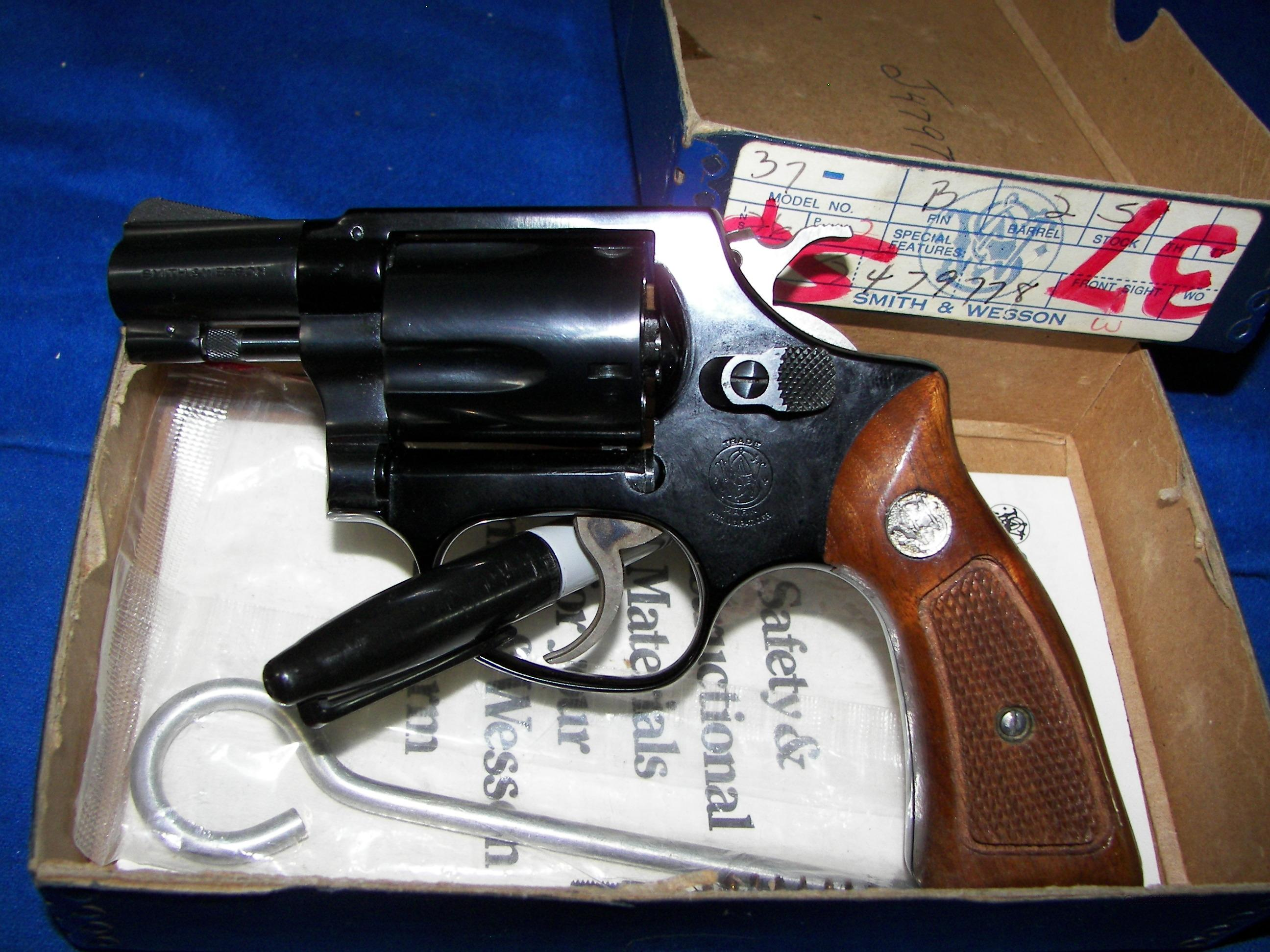 "S&W MODEL 37 NO DASH CHIEFS SPECIAL AIRWEIGHT  .38 SPECIAL  1 7/8"" BARREL BLUE  ASNIB  Guns > Pistols > Smith & Wesson Revolvers > Pocket Pistols"