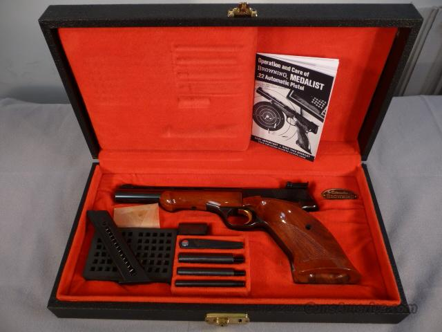 Medalist .22lr with all accroutements and case  Guns > Pistols > Browning Pistols > Other Autos