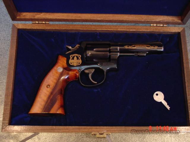 "Smith & Wesson Model 10-8,4"",38 special, 125th Anniversary,Washington Metro Police commemorative,engraved,gold accents,pres.case  Guns > Pistols > Smith & Wesson Revolvers > Model 10"