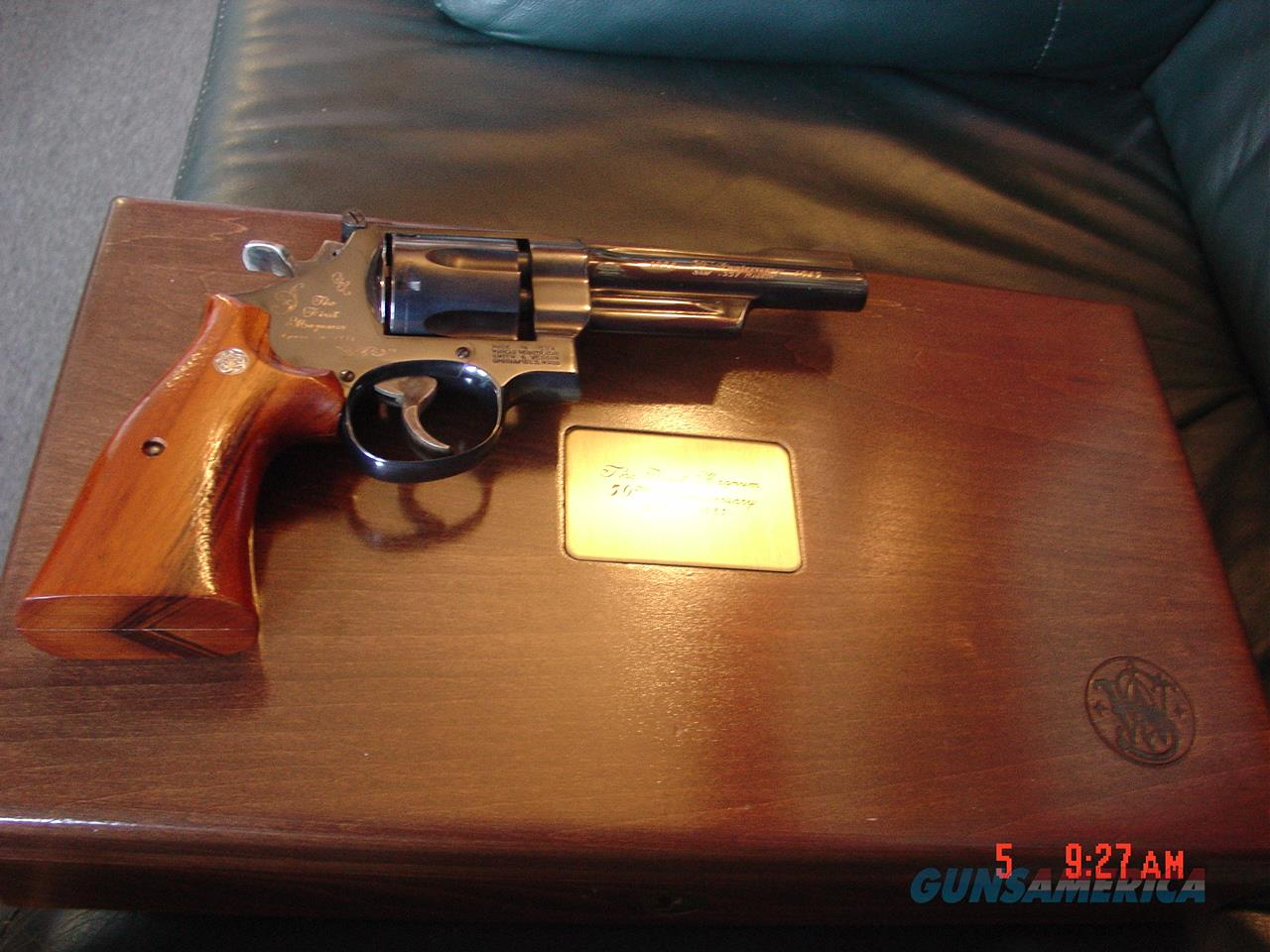 "Smith & Wesson 27-,50 year anniversary of 357 magnum,5"",fitted wood case,Goncalo Alves wood grips,manual,made in 1985,looks unfired,  Guns > Pistols > Smith & Wesson Revolvers > Full Frame Revolver"