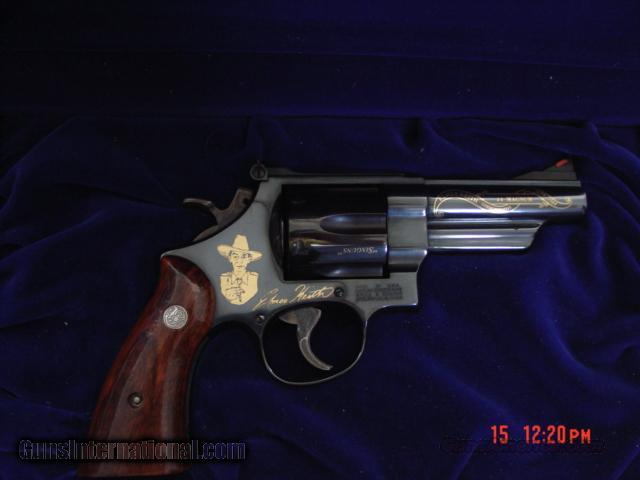 "Smith & Wesson,Elmer Keith commemorative,engraved,44 magnum,4"",mod.29-3,in wood case  Guns > Pistols > Smith & Wesson Revolvers > Model 629"