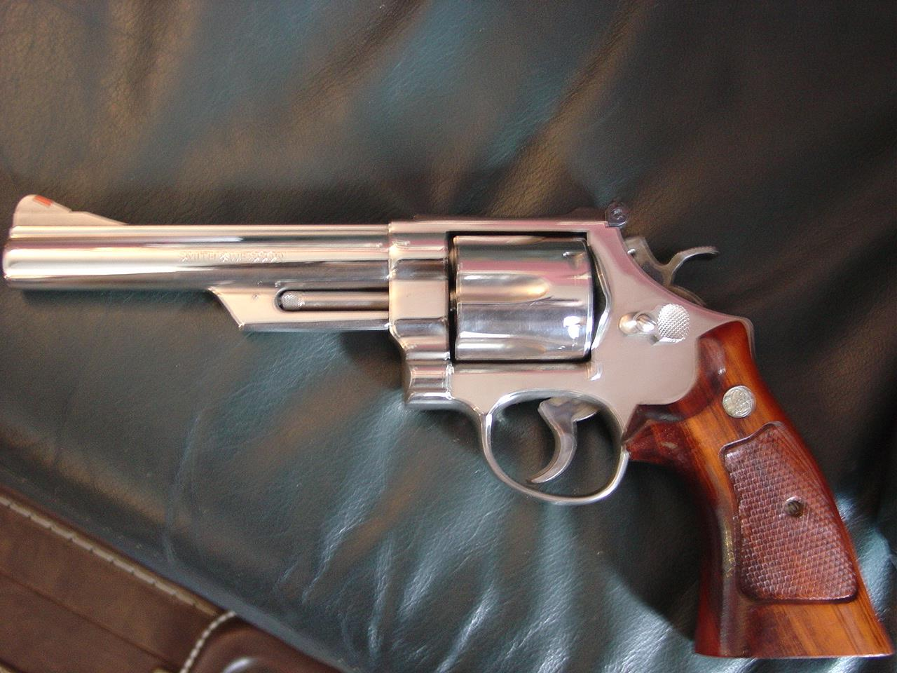 "Smith & Wesson 29-3,bright mirror nickel,6"",44 magnum,wood grips,& heavy glass & wood Pres case- made 1983  Guns > Pistols > Smith & Wesson Revolvers > Full Frame Revolver"