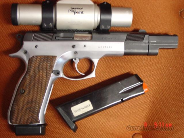 EAA Witness Race gun,40S&W,2 tone,Pro Point,Muzzle brake,2 mags,cystom carry case,double & single action  Guns > Pistols > EAA Pistols > Other