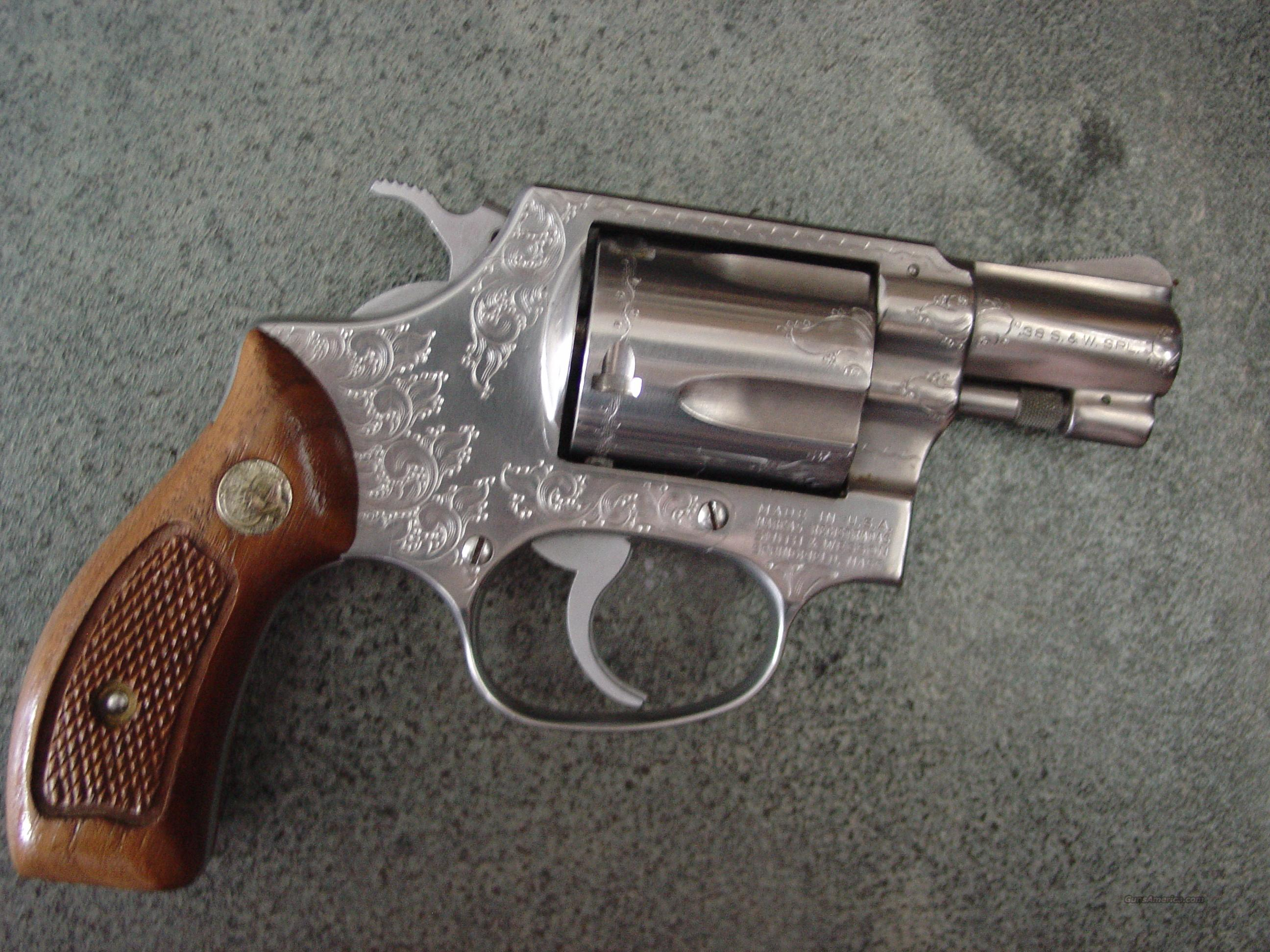 "Smith & Wesson Model 60,no dash,2""pinned barrel,engraved,Chiefs Special,polished satin stainless,1969-1971,nice  Guns > Pistols > Smith & Wesson Revolvers > Pocket Pistols"