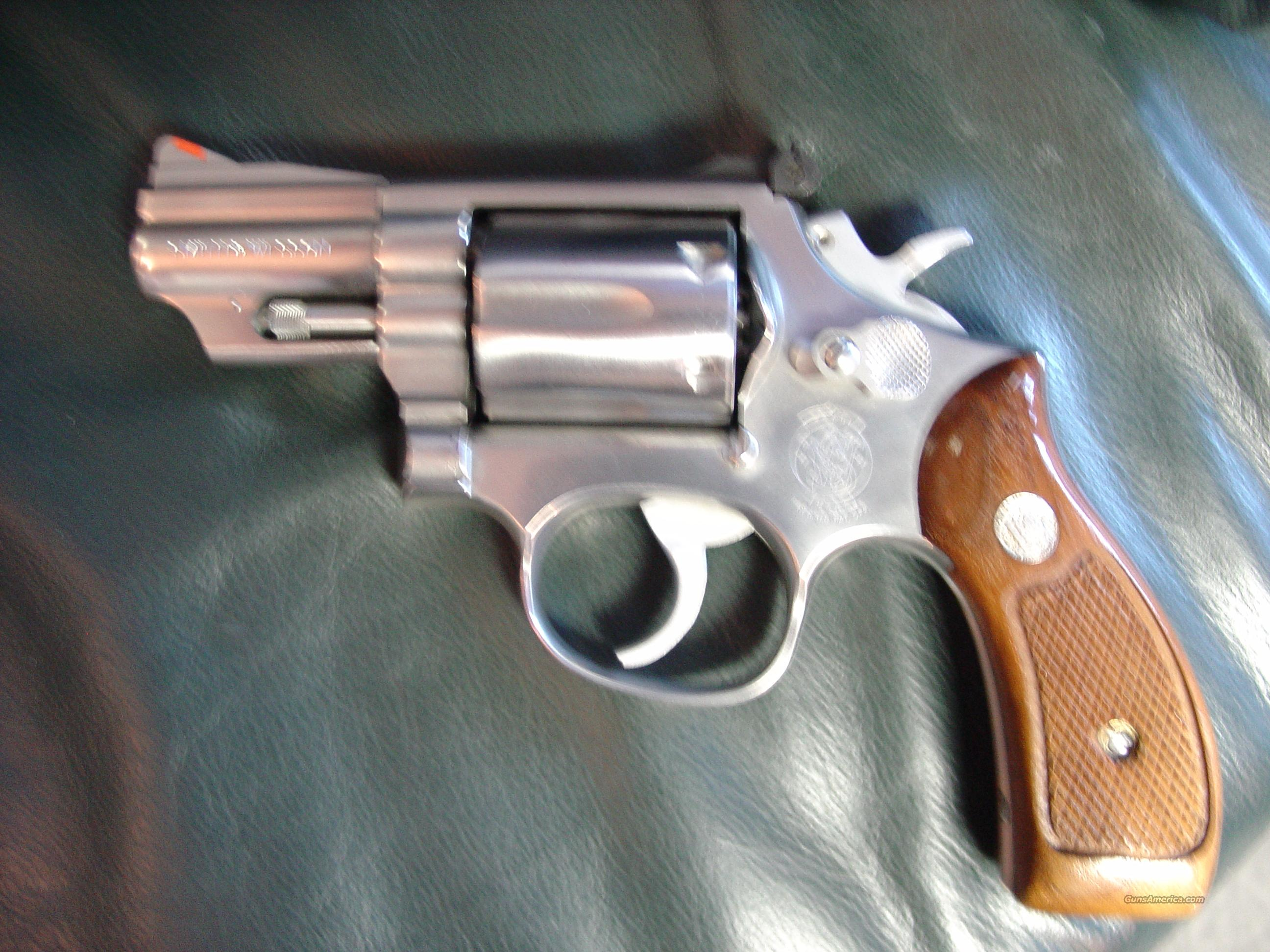 "Smith & Wesson Model 66-2,357 magnum or 38 special, 2 1/2""barrel,satin stainless,Combat Magnum  Guns > Pistols > Smith & Wesson Revolvers > Full Frame Revolver"