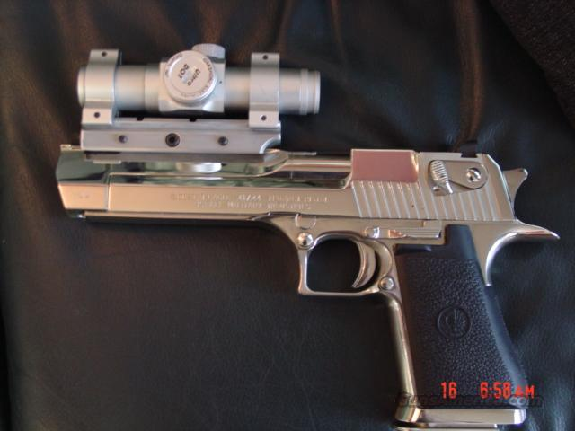Magnum Research,Desert Eagle Hand cannon,44 Magnum,polished mirror finish chrome.with red dot scope & mount & manual,IMI grips  Guns > Pistols > Desert Eagle/IMI Pistols > Desert Eagle