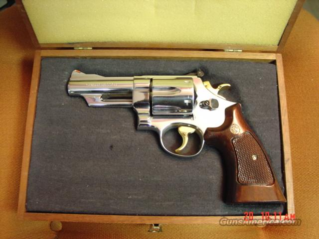 "Smith & Wesson 29-2-rare 4"",44 mag,nickel,gold hammer & trigger,wood case  Guns > Pistols > Smith & Wesson Revolvers > Full Frame Revolver"