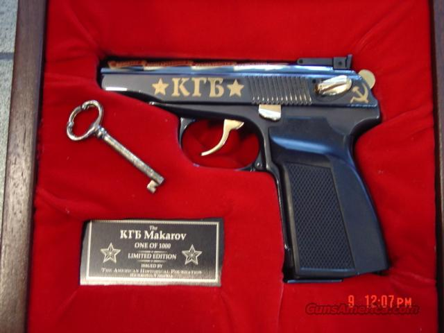 Makarov/KBI Inc., KGB commemorative,gold engraved,#180 of 1000,9mm,in pres.case,double & single action,unfired,American Hisorical Foundation  Guns > Pistols > KBI/FEG Pistols