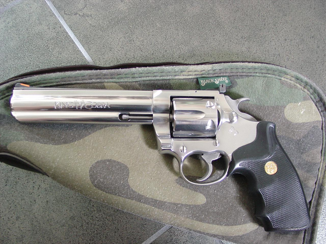 "Colt King Cobra 6"" polished stainless,357 magnum & 38 special,adj rear site,great action-very smooth  Guns > Pistols > Colt Double Action Revolvers- Modern"