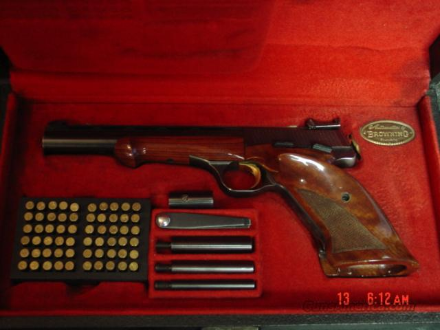 Browning Medalist 22LR,1963 T3 model,in case with all the weights,tools,ammo block,& 1 magazine,made in Belgium,#31854T3  Guns > Pistols > Browning Pistols > Other Autos