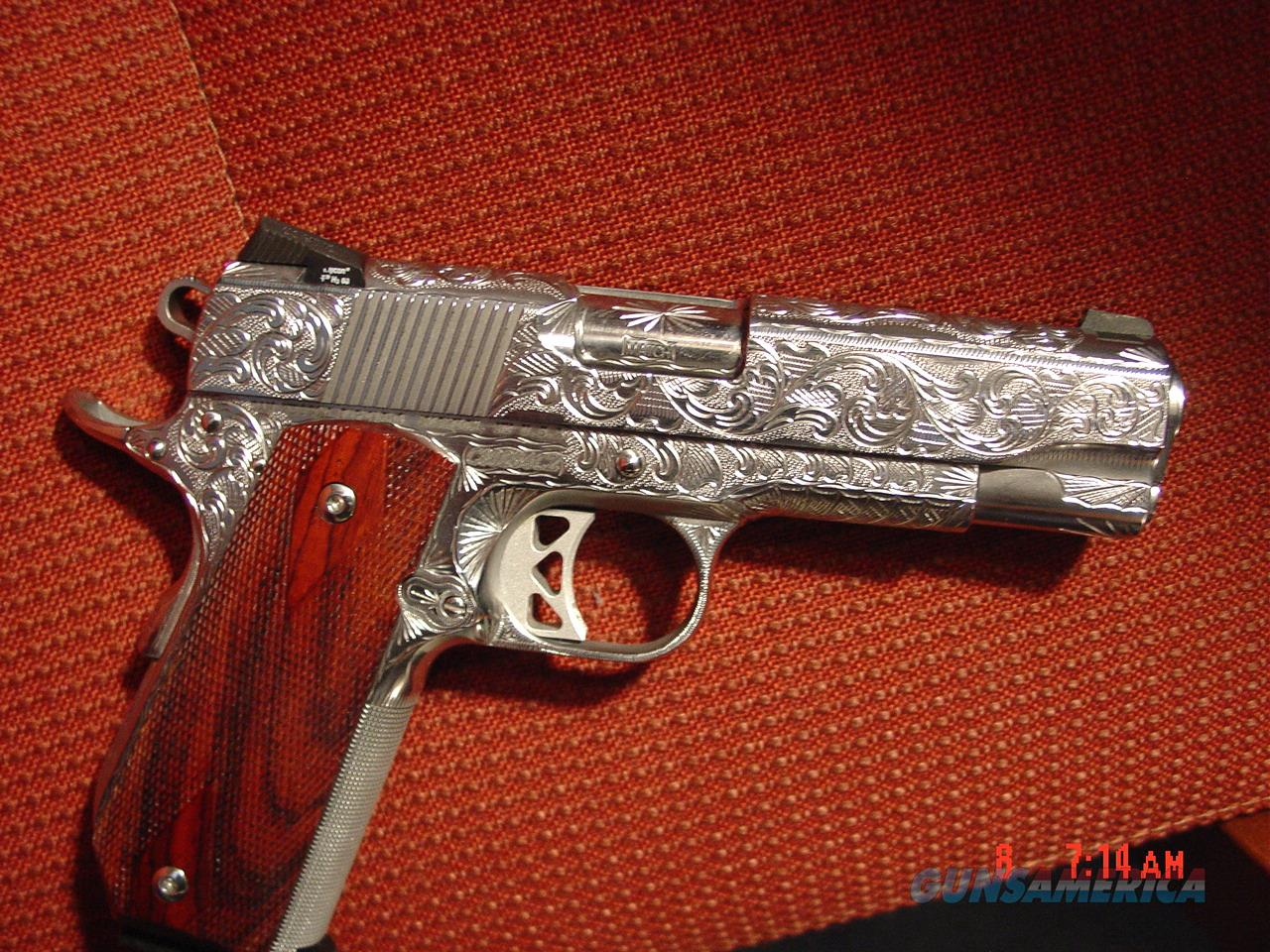 Dan Wesson Bobtail Commander Classic 1911,45acp,fully polished & engraved by Flannery Engraving,4' barrel,certificate,wood grips,1 of a kind work of art !!  Guns > Pistols > Dan Wesson Pistols/Revolvers > 1911 Style