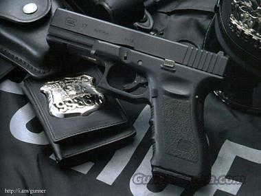 Gen 3 Glock 17 with Hi cap mags & Night sights  Guns > Pistols > Glock Pistols > 17