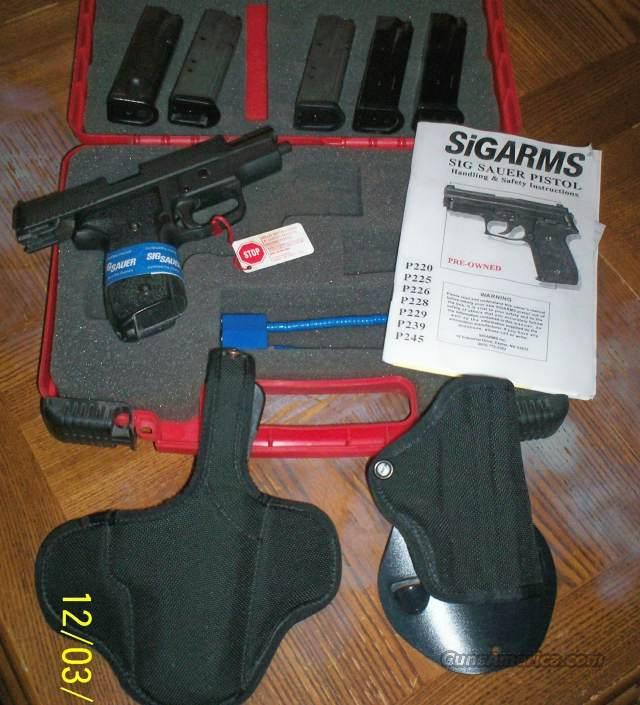 Sig Sauer SigArms P229 40cal 5-Hicap Mags + 2 Holsters  Guns > Pistols > Sig - Sauer/Sigarms Pistols > P229