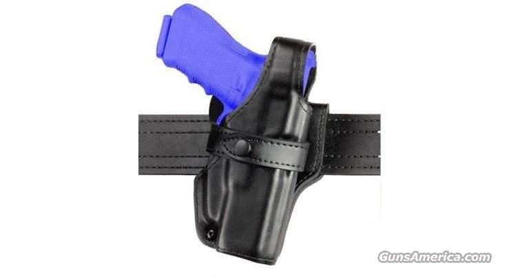 Safariland Duty Gear 070-777-181 070 SS III Level III Holster, RH, B/W, Sig P220R w/Rail  Non-Guns > Holsters and Gunleather > Police Belts/Holsters