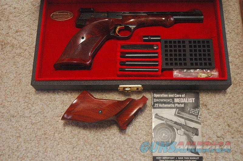 Browning Gold Line Medalist 1 or 407 Exc Cond  Guns > Pistols > Browning Pistols > Other Autos