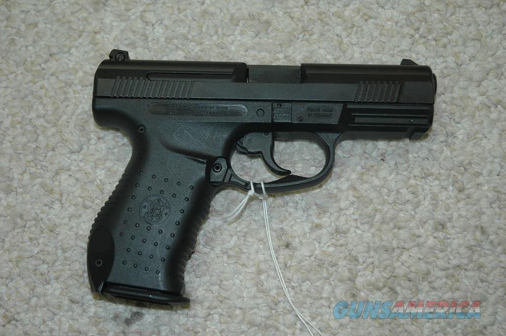 S&W SW99 40 Caliber Used  Guns > Pistols > Smith & Wesson Pistols - Autos > Polymer Frame
