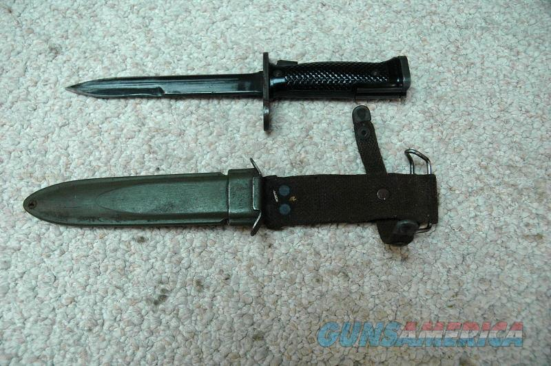 M16/M4 Bayonet with Scabbard  Non-Guns > Knives/Swords > Military > Bayonets