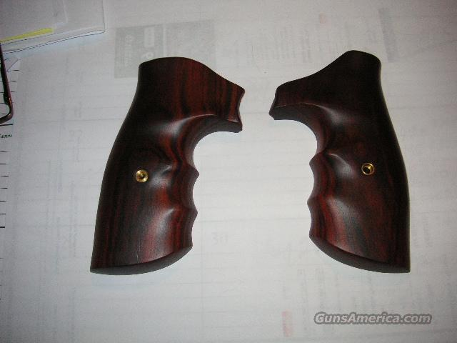 COLT KING COBRA COMBAT GRIPS  Non-Guns > Gun Parts > Grips > Other