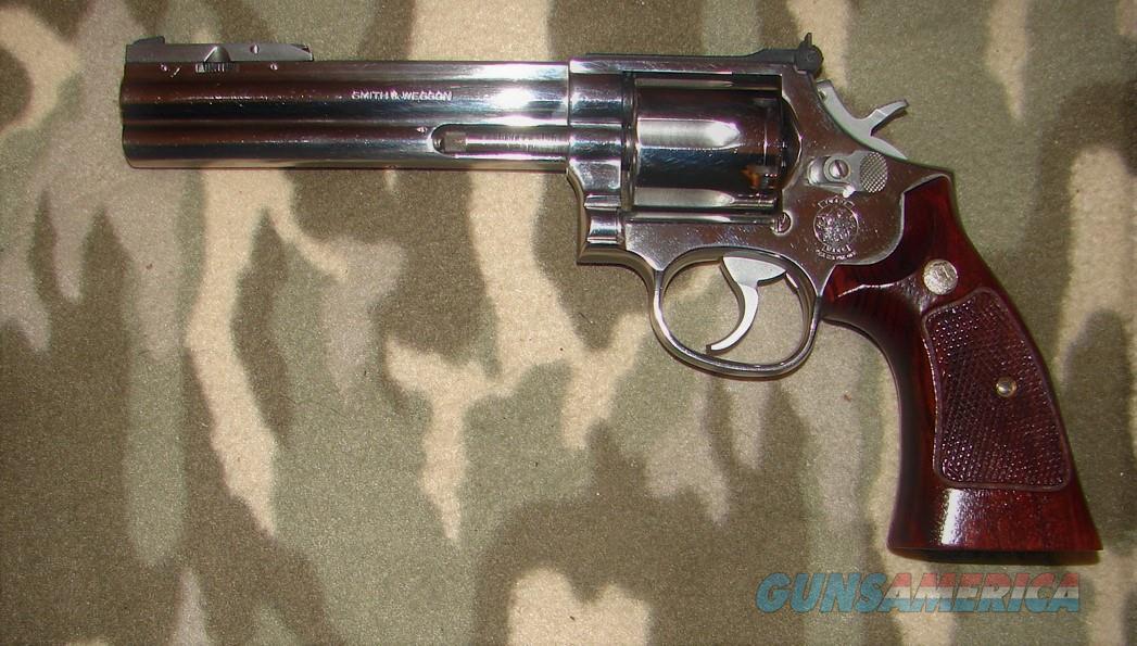 Smith & Wesson 686-1  Guns > Pistols > Smith & Wesson Revolvers > Med. Frame ( K/L )