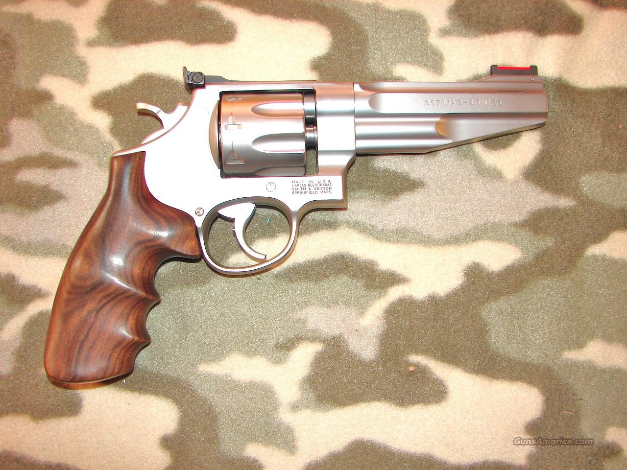 Smith & Wesson 627-5 PC  Guns > Pistols > Smith & Wesson Revolvers > Performance Center