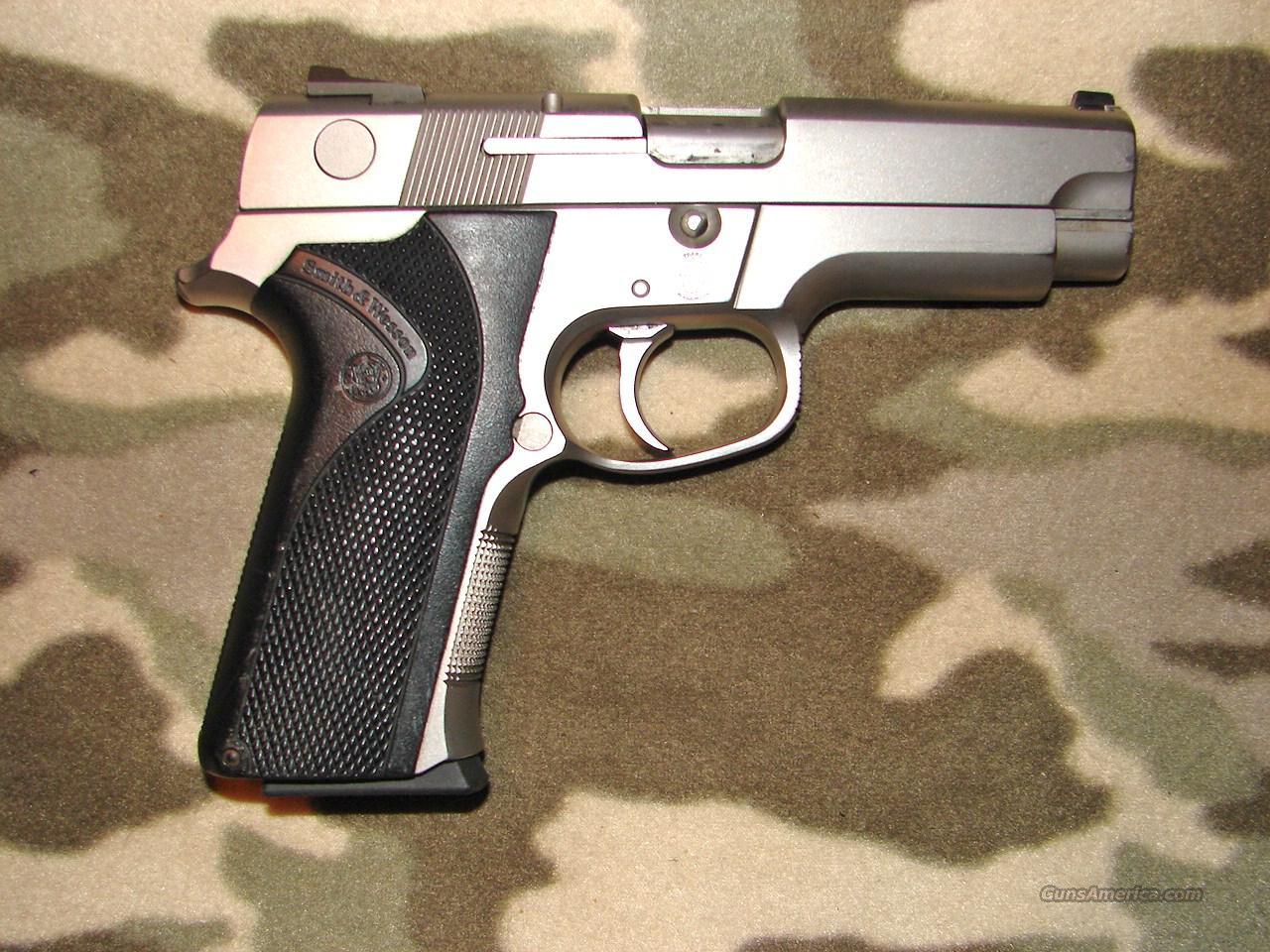 Smith & Wesson 4046  Guns > Pistols > Smith & Wesson Pistols - Autos