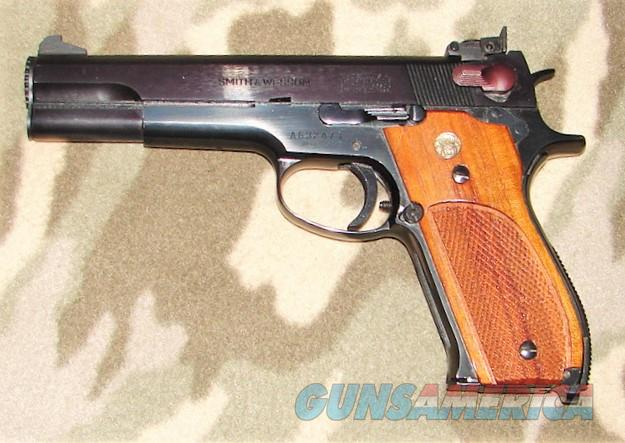 Smith & Wesson 52-2  Guns > Pistols > Smith & Wesson Pistols - Autos > Steel Frame