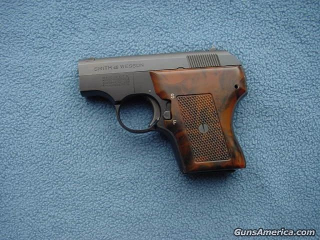 61-2  Guns > Pistols > Smith & Wesson Pistols - Autos
