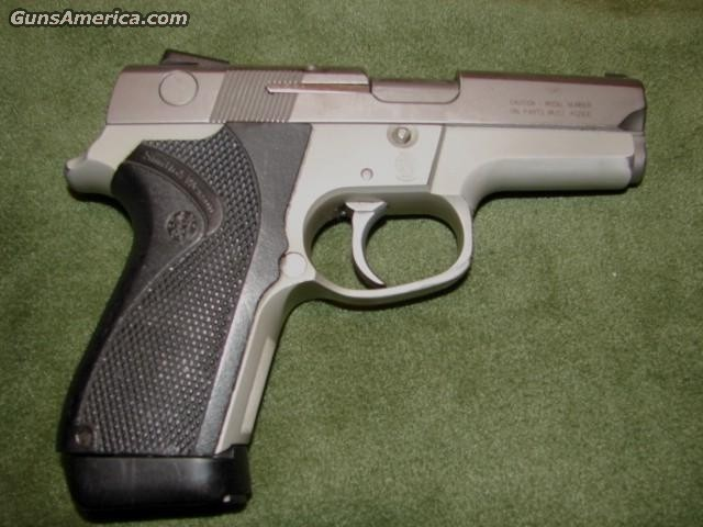 6946  Guns > Pistols > Smith & Wesson Pistols - Autos