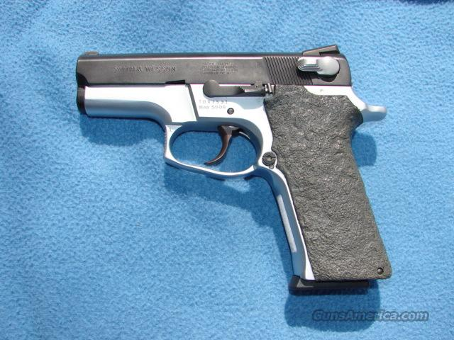 Smith & Wesson Model 5906  Guns > Pistols > Smith & Wesson Pistols - Autos > Steel Frame