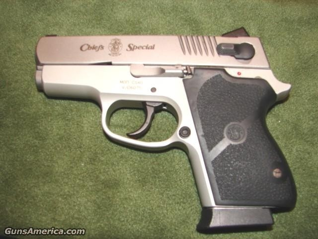 Smith & Wesson CS40  Guns > Pistols > Smith & Wesson Pistols - Autos