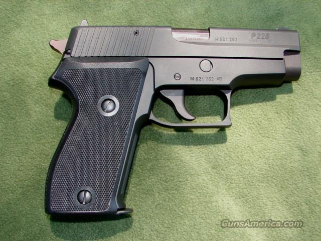 Sig Sauer P225 Semi-Auto Pistol   Guns > Pistols > Sig - Sauer/Sigarms Pistols