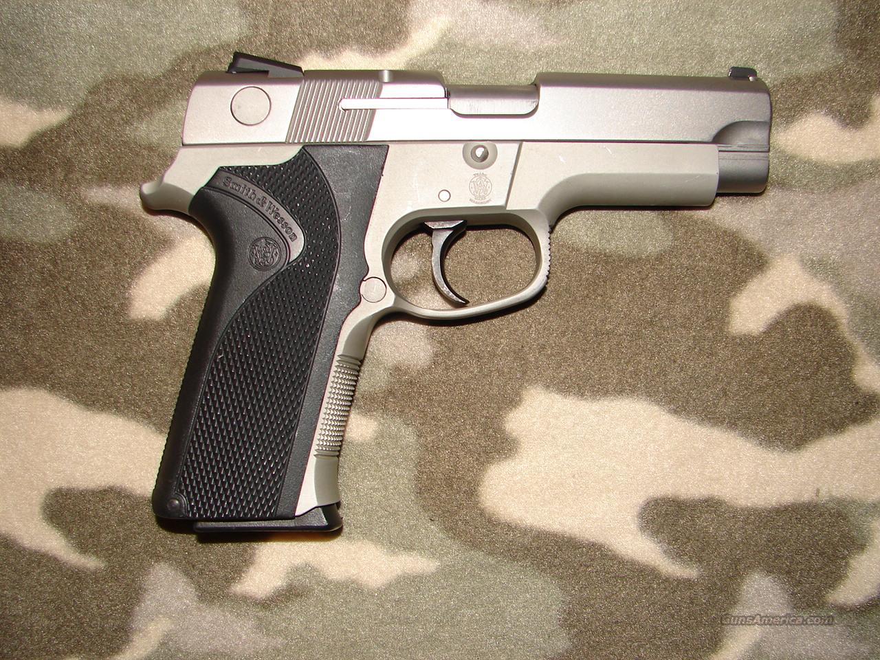 Smith & Wesson 4043  Guns > Pistols > Smith & Wesson Pistols - Autos > Alloy Frame